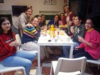 Merienda en la residencia de Huesca
